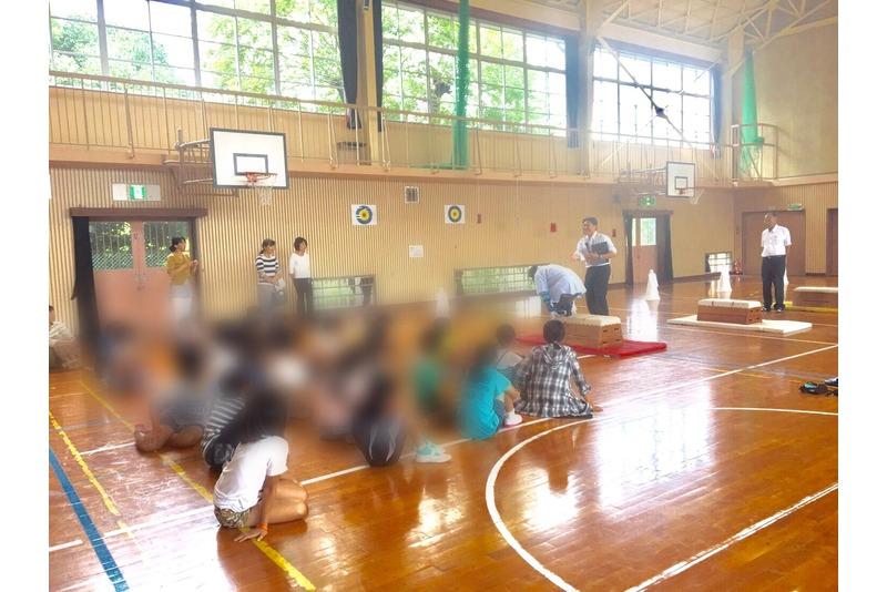 小学生による高齢者模擬体験!!